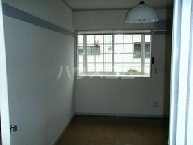 ラフィーネ新宿 205号室のキッチン