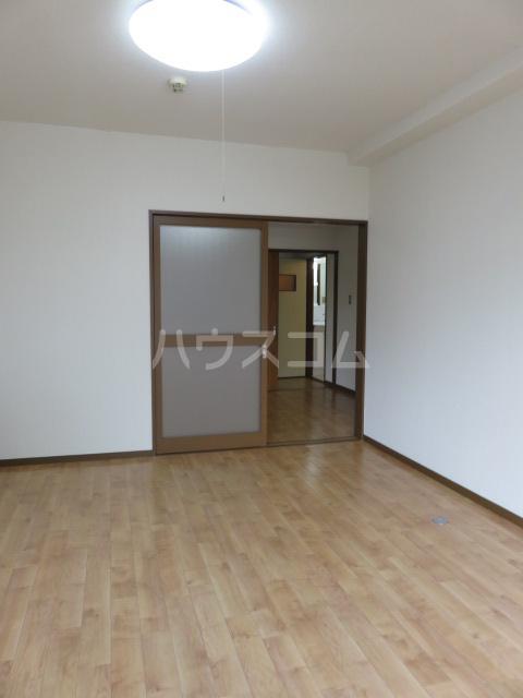 パークサイド城北 203号室の居室