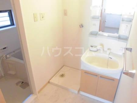 セジュールきよしA 101号室の洗面所