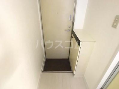 リコリスB 125号室の玄関