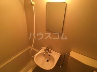 リコリスB 125号室の洗面所