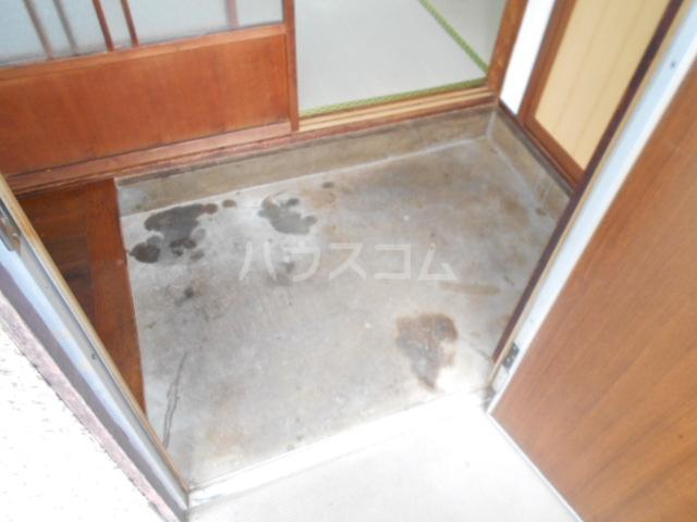 下田アパート 6号室の玄関