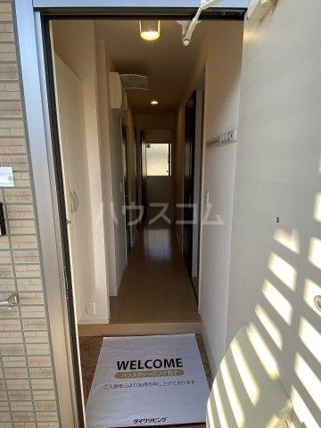 サンフローラ 101号室の玄関