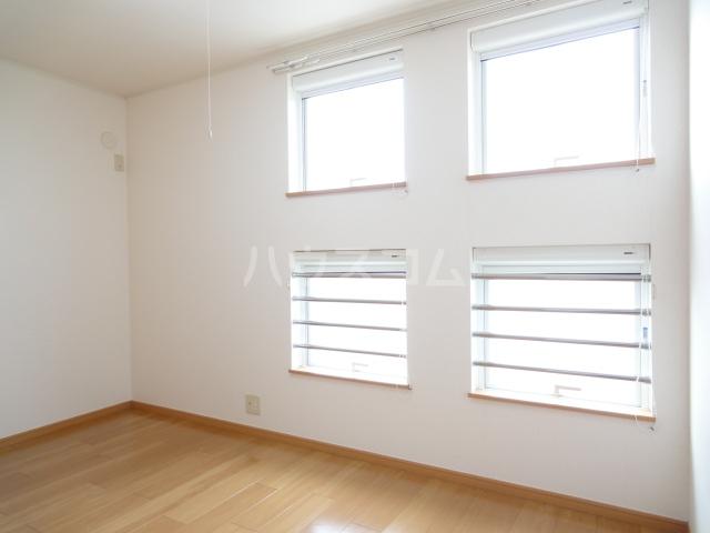 プラシード・Ⅱ 02030号室の居室