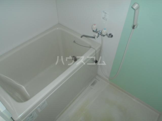 ロイヤルマンション国府津 403号室の風呂