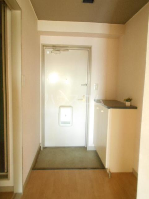 ロイヤルマンション国府津 403号室の玄関