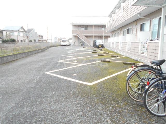 池田ハイツA 206号室の駐車場