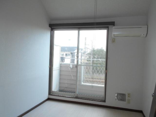 池田ハイツA 206号室のリビング