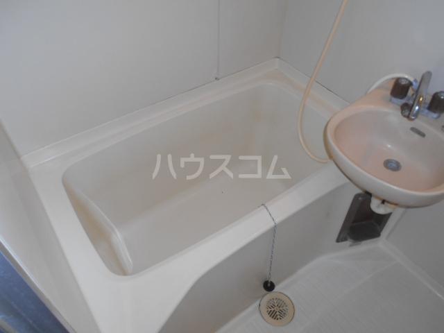 コシミズマンション 302号室の風呂