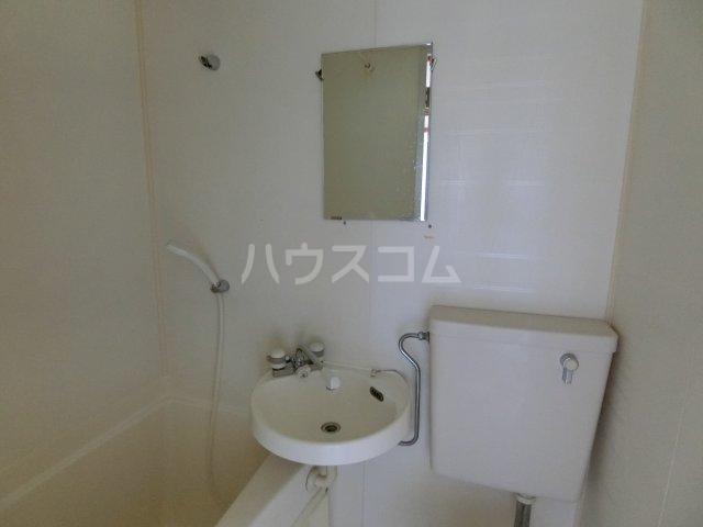 リバーサイドほずみ 102号室の洗面所