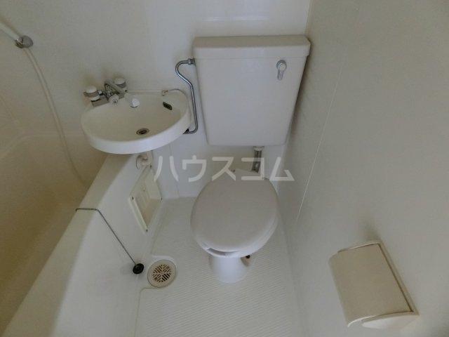 リバーサイドほずみ 102号室のトイレ