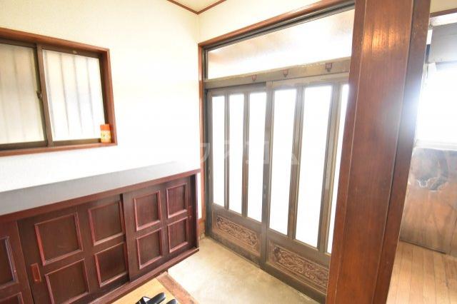 下赤坂戸建ての玄関
