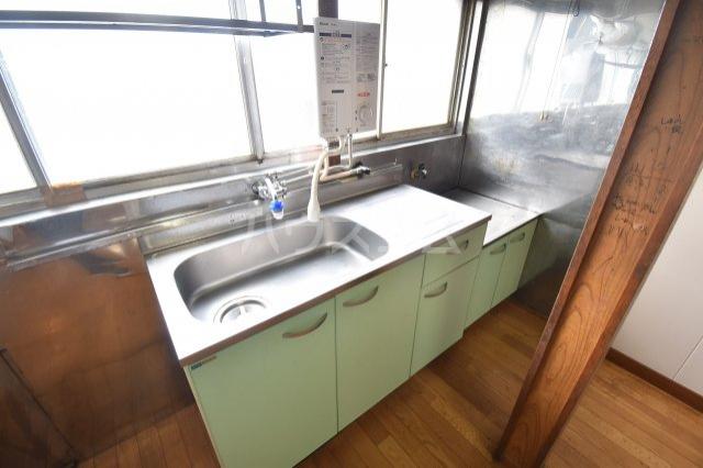 下赤坂戸建てのキッチン
