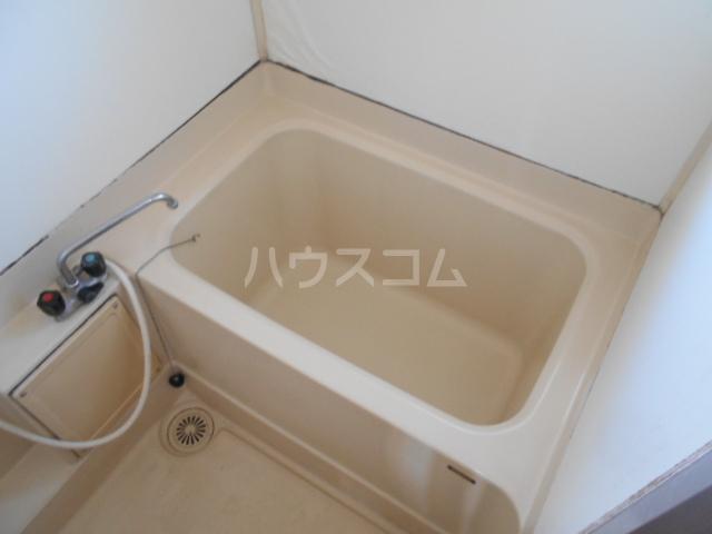 ホワイトハイツ 403号室の風呂