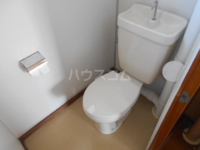 ホワイトハイツ 403号室のトイレ