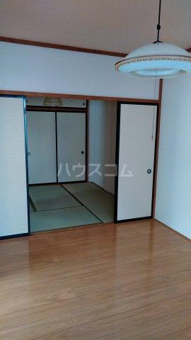 れいろうハイツⅡ 103号室の居室