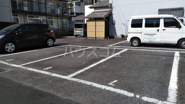 れいろうハイツⅡ 103号室の駐車場