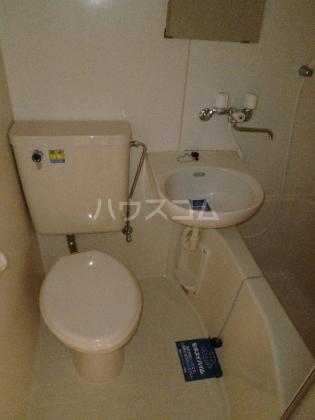 プラザドゥローレル 202号室のトイレ