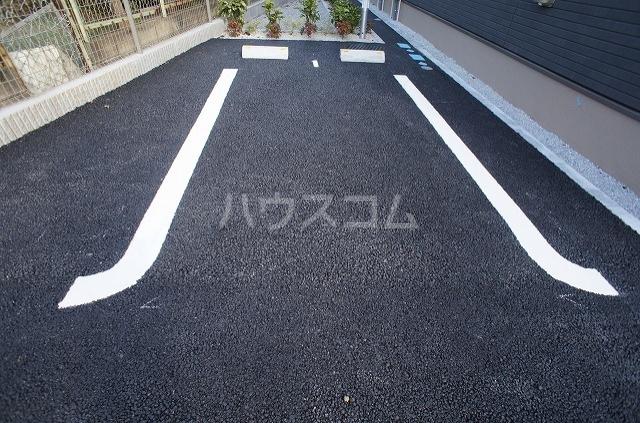 ウィル リヴィエル Ⅰ 02010号室の駐車場