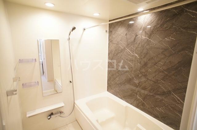 ウィル リヴィエル Ⅰ 02010号室の風呂