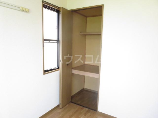 トラスト21B 106号室の洗面所