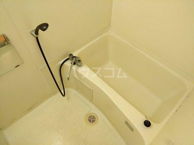 メゾン北郷A棟 204号室の風呂