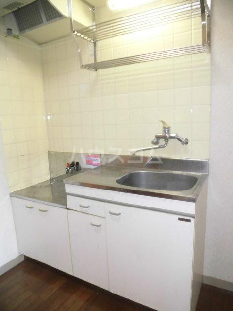 DCしののめ 202号室のキッチン