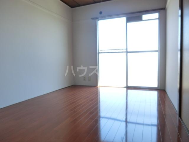 小八幡マンション 5-D号室の玄関