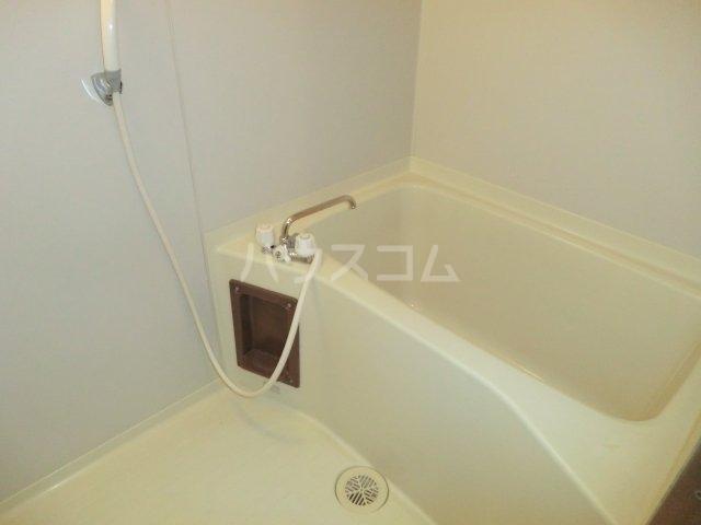 加藤マンション 203号室の風呂