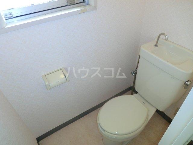 加藤マンション 203号室のトイレ
