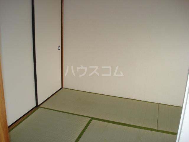 メゾン黒田 00202号室の居室