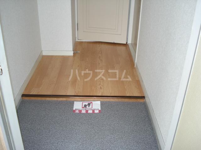 メゾン黒田 00202号室の玄関