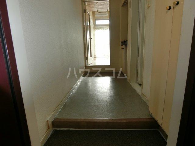 パレス忠節 105号室の玄関