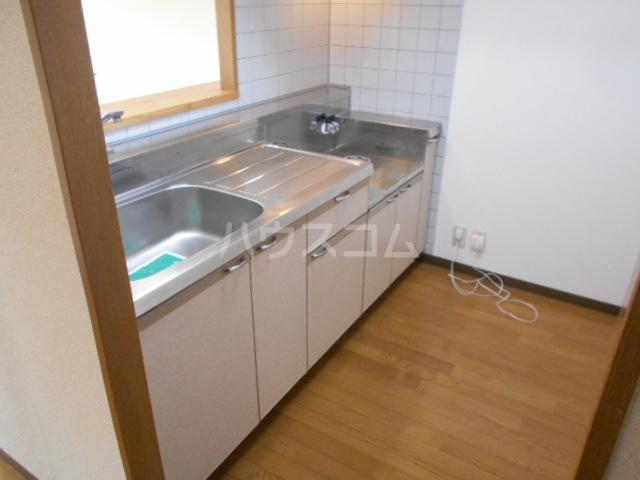 ベルヴェデーレⅡ 305号室のキッチン