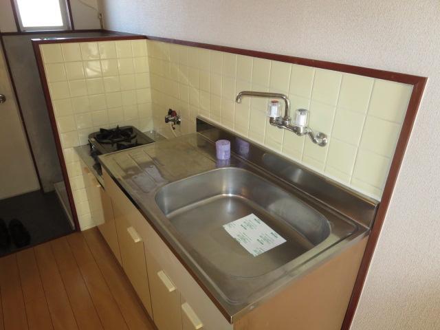ハイネス鹿島 105号室のキッチン