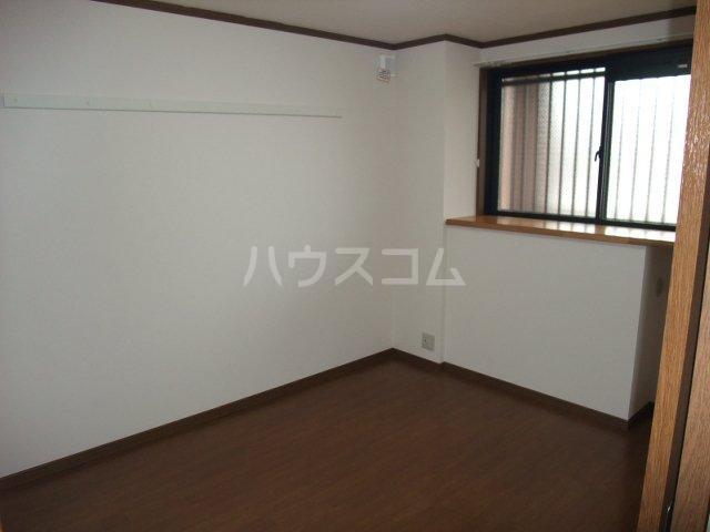 サンシャイン.B.江藤 102号室の居室