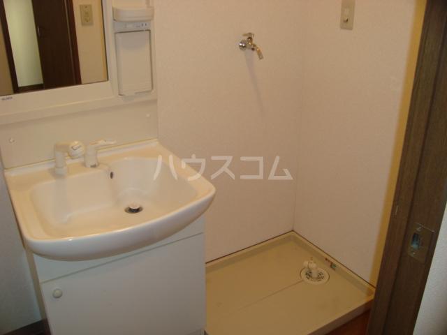 サンシャイン.B.江藤 102号室の洗面所
