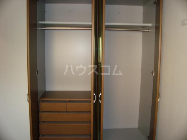 サンシャイン.B.江藤 102号室の収納