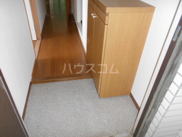 メゾンドール加藤 205号室の玄関