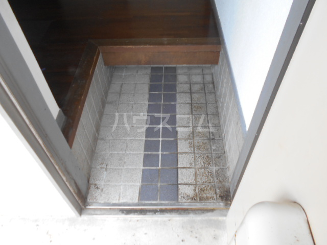 コーポ江藤 102号室の玄関