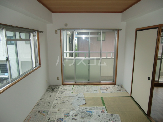 サングリーンメゾン 4B号室の居室