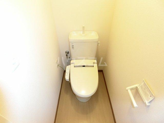 メゾン・アンジュ 112号室のトイレ