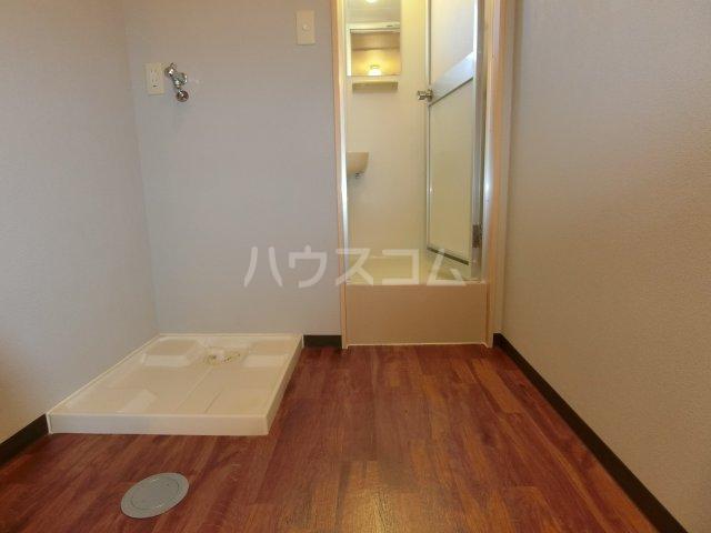 ケンジントン 109号室の洗面所