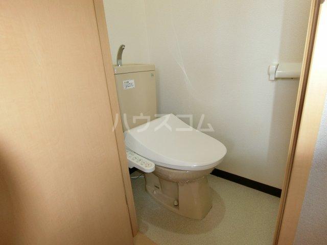 ケンジントン 109号室のトイレ