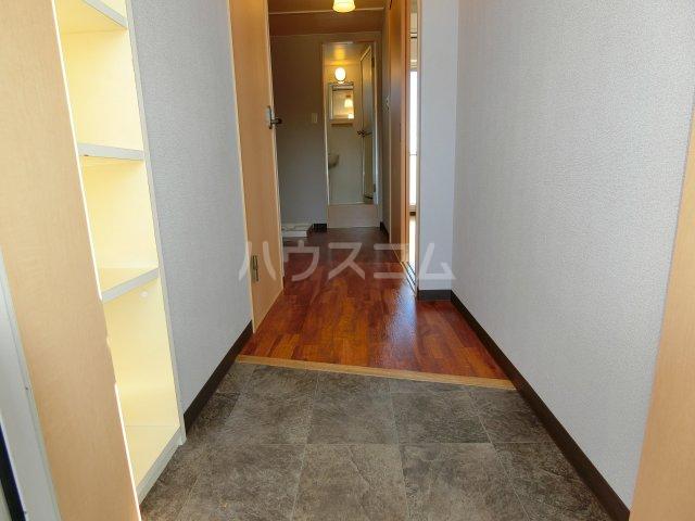 ケンジントン 307号室の玄関