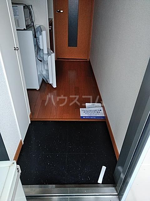 レオパレスエクセルⅡ 204号室の玄関