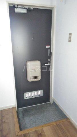 ブルーハイツ森C棟 103号室の玄関