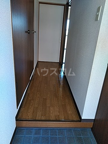 エレガントライフ 2 102号室の玄関
