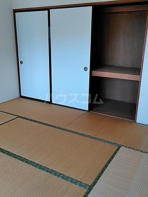 エレガントライフ 2 102号室の居室