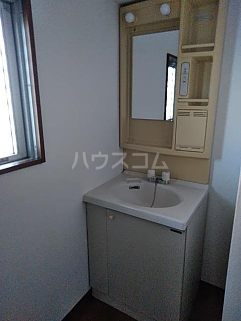 エレガントライフ 2 102号室の洗面所